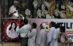 8 - August-sugar crisis lineup in Lahore-Anjum Naveed-AP