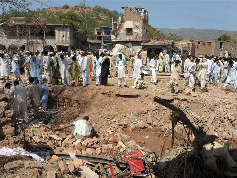 9 - September-Kohat-30 killed,50 injured in bomb blast-RFERL-Unknown